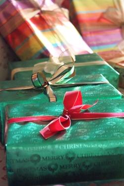 gifts by sisterlisa, on Pix-O-Sphere